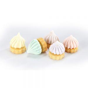 Meringue Kisses With Cookies